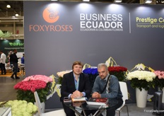 Nikolay of Foxy Roses, together with Bolivov Gonzalez, a customer of Foxy Roses.