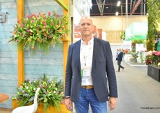 Dirk van Dorp of Steenvoorden visiting the show. They recently built a new show greenhouse in the Netherlands.