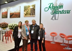 The team of Rosen Tantau. In Colombia, they are well known for their red variety Freedom.