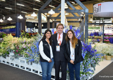 "Carmen Lucia Marquez, Joaquin de la Torre and Juana de la Torre of BallSB in front of the arrangements that ""bring the garden inside."" They won the award for Best Stand of the Show."