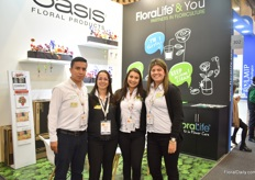 Part of the team of Floralfe and Oasis. The product from Floralife that they are presenting are the sachets and the foam black foam from Oasis.