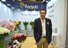 Agustin Calisto of Florisol presenting some new varieties including cut kalanchoe that they recently started to grow.