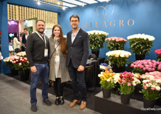 Broters Danies of El Milagro with Mauricio;s wife Valentina Alberti. This Colombian rose and ranonculus grower is more and more focussing on more exclusive products.