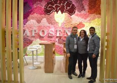 Daniel Alba, Adriena Guevara and Varlos Bernal of Aposentos. They grow carnations and mini carnations on 80 ha and mainly supply Japan and Europe.
