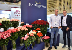 Sjenn Kragtwijk  and Erik Spek of Jan Spek Rozen next to their red rose variety Hearts. This rose, with a heart shape is becoming a real success in Ecuador and is starting to be picked up more and more in Colombia, Spek explains.