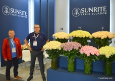 Sunrite Farms Ecuador, a rose grower from Ecuador, in the market since 1985. On the photo Marcelo Carrera (right), here together with Cristian Proano from Juliet, a customer/wholesaler from the US.