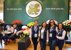 Meet Laura, Juliana, Karoll, and Janet, representing Singha Farms. This grower of roses and hydrangea in Bogota.