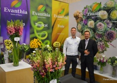 Marvin Grootendorst and Fabio Quintero with Evanthia. The breeder & seed production company is relatively new to the Colombian market. Their matthiola varieties are especially well received, Marvin tells us.