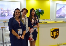 Growers willing to ship flowers to anywhere in the States can count on UPS. On the continent the forwarder is everywhere, anywhere, within 48 hours. From left to right Angee Arevalo, Clara Silvia, and Alisson Prieto.