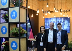 Smurfit Kappa has been present in Colombia for three quarters of century now. The company produces boxes growers need to ship their flowers, and their services are widely used. 'For we know logistics', Jessica Varga, Jorge Cubillos, and Alejandro Parra tell us.