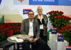 Manaure Flowers is also a young company, and produces the red rose 'Freedom'. This rose, a Rosen Tantau variety, is the most grown red on the continent. Alexander Avilan manages the farm exporting to customers situated in Russia, Ukraine, and Poland. Kathleen Caulfield is assisting, amongst others with translating.