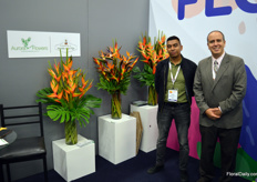 John Tabarquino and José Figueroa at Aurora Flowers, which is specialized in tropical flowers. Together with some other growers in Colombia, they produce the most fantastic type of flowers rarely seen in most other parts of the world. Like heliconia, of which you here see a few different varieties.