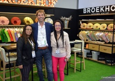 Broekhof is providing growers with sleeves, packaging, and decorative materials, and has been in Colombia since 2016. Back then, an office was opened in Medellin. Since May this year, a new facility was opened in Bogota as well. From left to right Yulia Prito, Frans de Vilder, and Maria del Pilar.