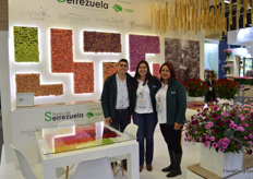Yeiferson Urrego, Paula Calderón, and Ricardo Samper with Flores de Serrezuela. This farm was established back in '85, is now headed by Ricardo Samper (second generation), and grows roses and carnations in Bogota. The grower is specialized in roses ('Freedom'), carnation, and spray-carnation.