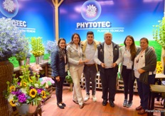 Phytotec grows around 10 different exclusive types of flowers. At the fair they were awarded different prices, one with a new Bells of Ireland-variety and one with a new Stars of Bethlehem-variety.