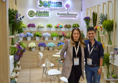 Ana Maria Ortiz is with Hydraflora, Juan Camilo with Harmony Flowers. Together with a third grower El Jordan Farms, these three participated together in Proflora. They have in common that they all produces hydrangeas and are situated in and around Medellin, a region especially suited for growing hydrangea.