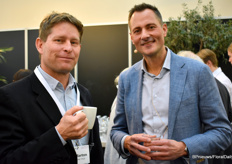 Paul Burton of Flower Hub and Dennis van der Lubbe of the Flower Council of Holland enjoying a cup of coffee before the panel