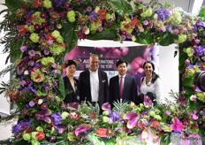 Now, Julienne Zhu of China Flower Association also joined the picture.