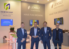 New in this picture: Lensli, the new company name of former Lentse & Slingerland Potgrond. Also new, the website of Horticoop Technical Services (just do a quick Google-search). From left to right: Reinier van Zanten, Tom Zwijsen and Marcel Weinans with Horticoop and Gregor Kloeger with Lensli.