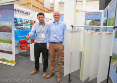 Tom de Smedt from Hyplast together with the Mexican distributor of Hyplast; Carlos Reátegui del Mazo.