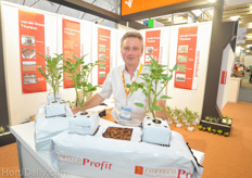 Jan de Smet of FORTECO has success with his coir propogation blocks in Mexico.