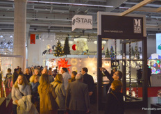 Crowded aisles. In 2017, 43,233 visitors made their way to Frankfurt am Main to see the products of the 1,000 exhibitors at Christmasworld.