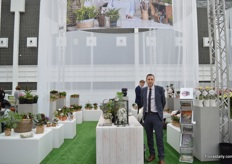 Peter Larssen-Ledet of Floradania, a marketing company that promotes Danish pot plants. So, at their booth they presented several pot plants of Danish growers. It is the first time that they are exhibiting at the Floradecora.