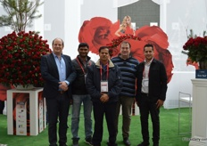 Örjan Hulshof of De Ruiter, Vikash Singh of PJ Dave Flora, Rathna Vel of Porini and Isinya Flowers, Marco Burgers of De Ruiter and Trishil Patel of PJ Dave Flowers and Rising Sun. The Ruiter had a prominent presence at the Floradecora as it brought 40,000 red roses in the Rhodos and Ever Red cultivars together with these Kenyan rose growers. With Valentine's Day just ahead, it required proper logistics planning on the part of the growers involved. The red roses are used for the stairs in Galleria 1 and 'The Loft'.