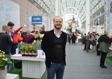 Ole Faarbaek Jensen of Verdissimo, a grower and supplier of preserved flowers was also visiting the show.