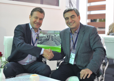 Arjen Janmaat and Haluk Atamal. Haluk has made a very nice photo album about the Turkish greenhouse sector.