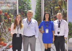There are quite a few Turkish growers who buy pure CO2, hence Linde was also present at the show. From left to right; Busra, Omer,Bahar and Senem.