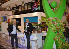 Albert Bijpost and colleague from Holex, at the booth of the Dutch Flower Group